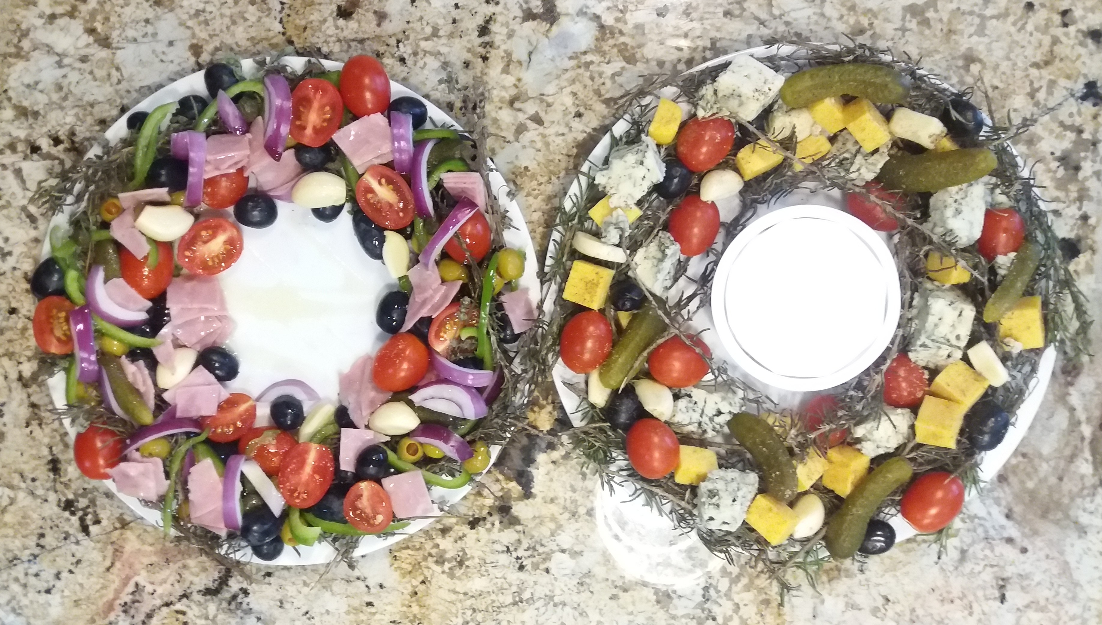 party-wreath-food-platter