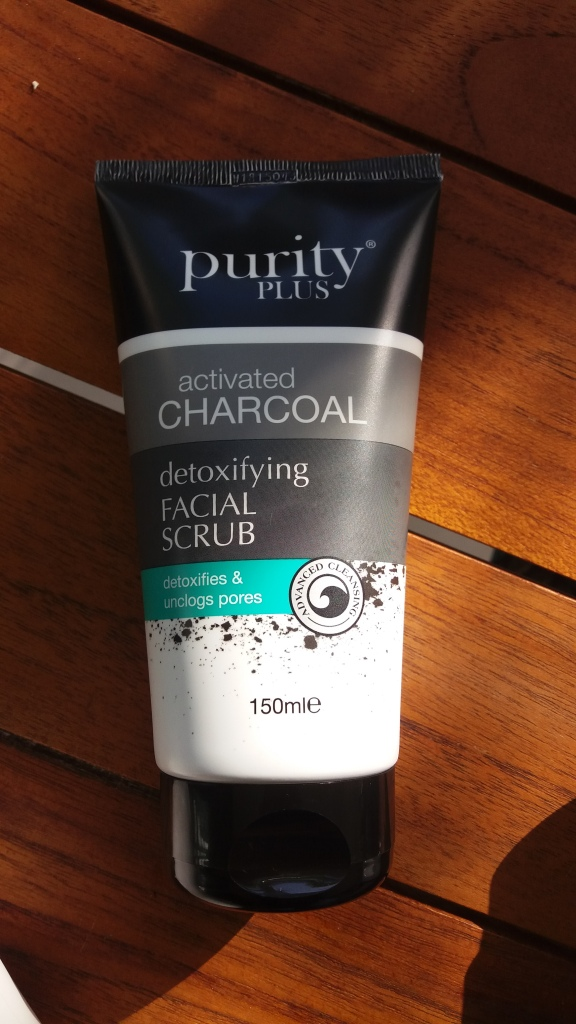 facial-scrub-charcoal