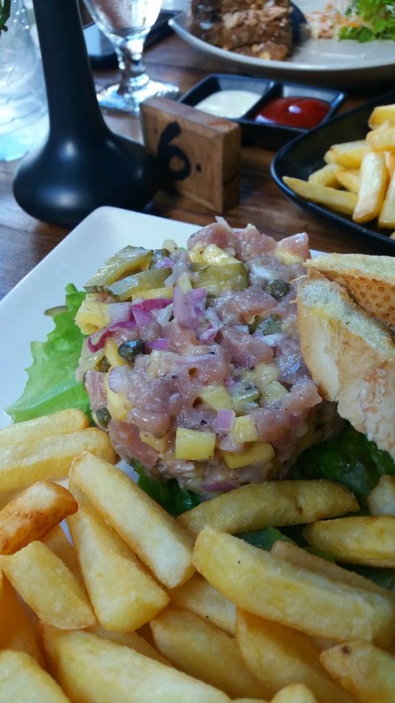 tuna-tartare-seafood